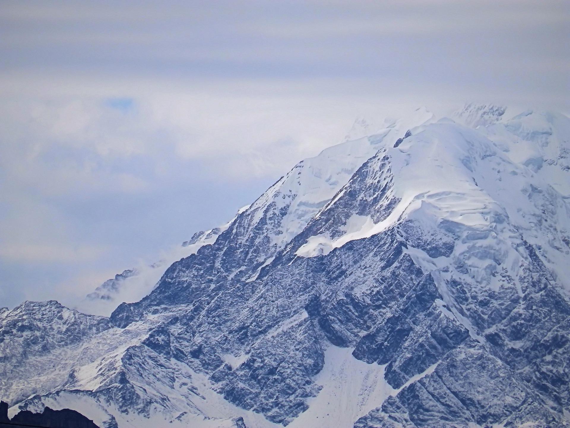 mountain-4546272_1920-2